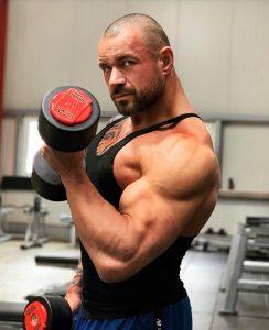 Holger Gugg erklärt wie man Muskeln in der Diät schützen kann