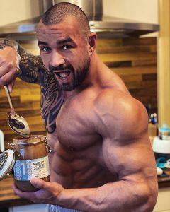 Wie hoch sollte ich im Bodybuilding meine Kalorien planen?