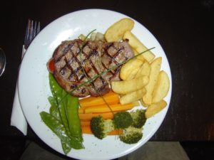 sirloin-steak-meal-586696_960_720